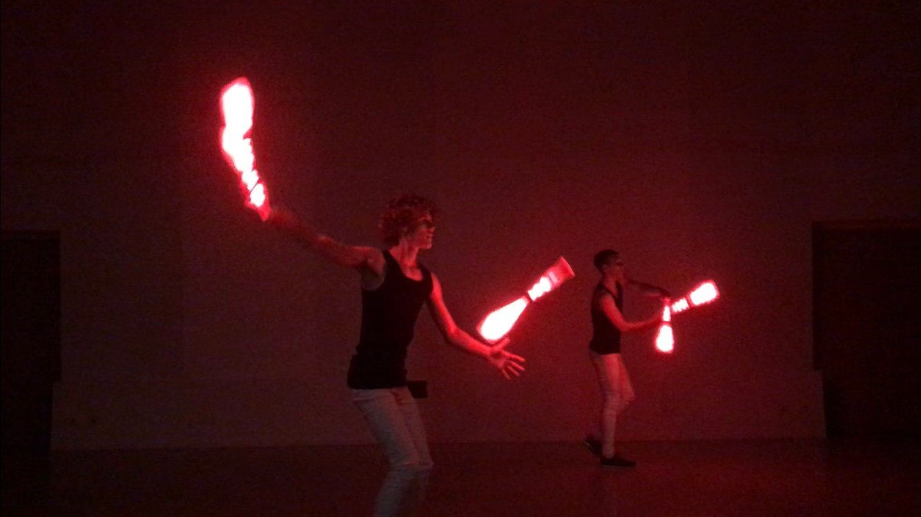 LED Juggling-Passing Show